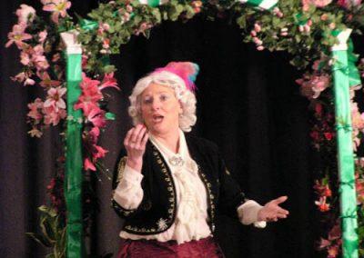 Jane Walker sings ' Vilia'