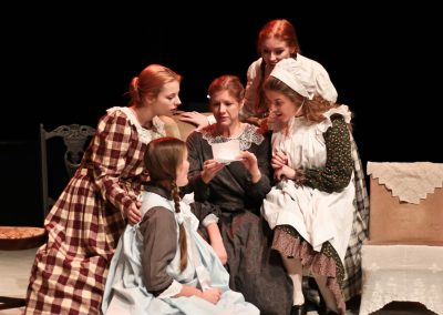 The March sisters with Marmie (Vicky Ashberry)