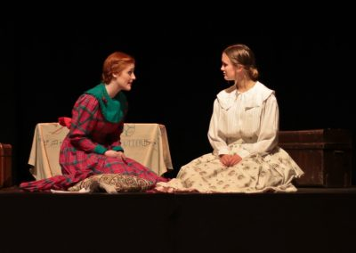 Sisters Jo (Ellie Pickering) and Beth (Tabitha Davenhill)