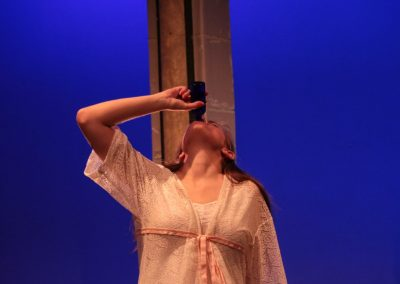 Juliet (Sophie Marlowe) drinks the sleeping draught