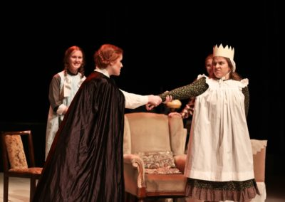 The March sisters play theatre