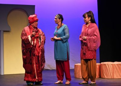 The Vizier (John Leighton), Shahrazad (Sasha Drennan) and Dinarzad (Marea Reid)