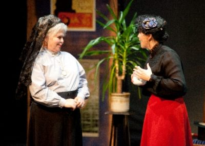 Mme Alvarez (Ruth Andrews) and her daughter Andrée (Sasha Drennan)