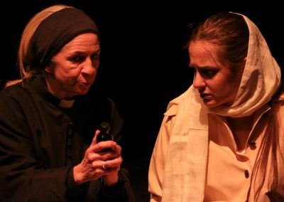 Father Laurence and Juliet (Pamela Marnie and Sophie Marlowe)