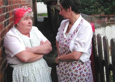 Betsy Jane (Gaynor Little) and Daisy (Su Toogood)